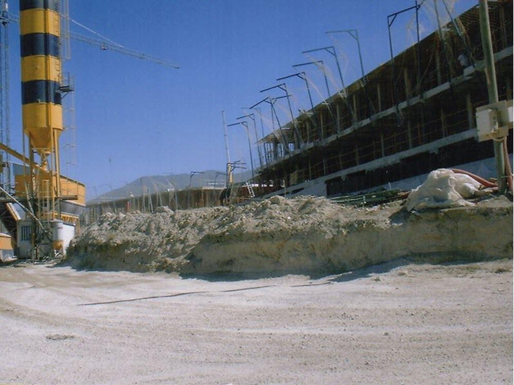 2004 construcción del pm4 casares del sol