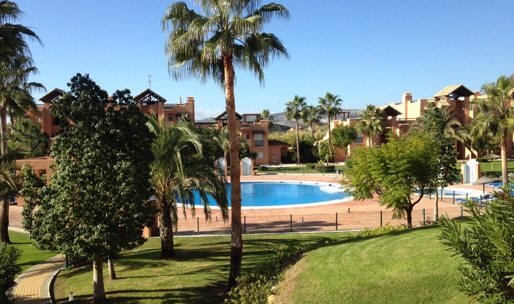 gardens and pool at Casares del Sol pm4